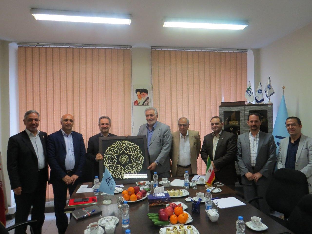 معاون وزیر و رئیس سازمان بهزیستی کشور با رئیس خانه معدن و تجارت کشور دیدار کرد