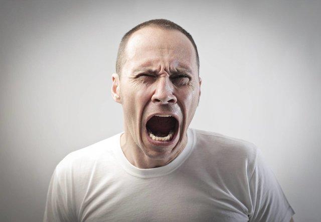 خشم علت بروز بسیاری از خشونتها در جامعه/راههای مقابله با خشم
