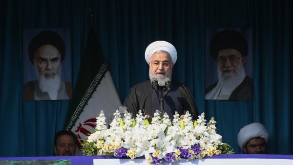 رئیس جمهور در جمع پرشور مردم لاهیجان:  دشمن مشکل می سازد، اما بدون تردید به نتیجه نخواهد رسید