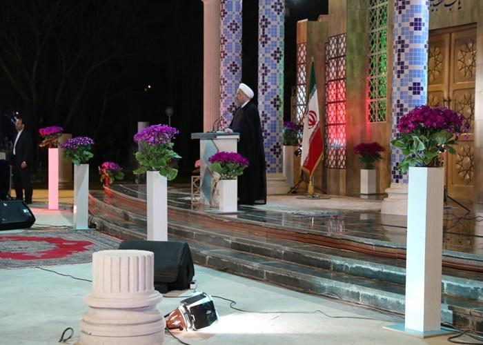 تحویل سال نو روحانی در کنار زلزلهزدگان؛ امسال سال رونق است