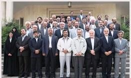 شاهد رفتارهای ساختارشکنانه رئیس دولت نهم و دهم هستیم/خیر و مصلحت ایشان را در بازگشت به آرمان های امام و انقلاب می دانیم