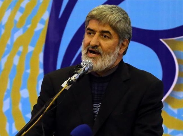 چه کسی گفته ملاقات یک مرجع تقلید با افراد سابقهدار در انقلاب خلاف شئون مرجعیت است؟