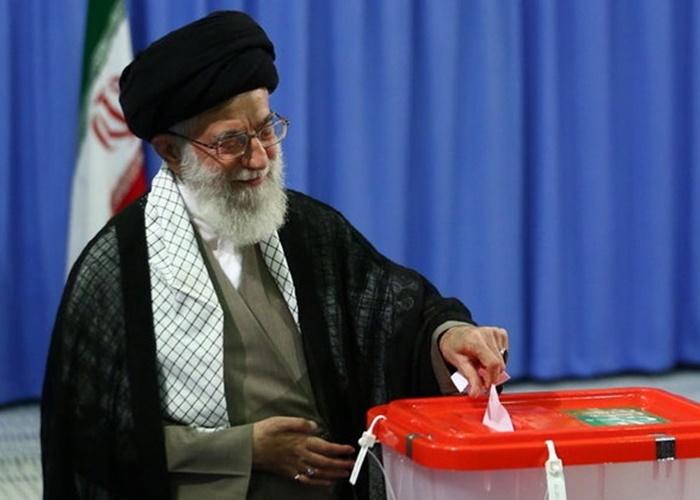 مقام معظم رهبری در انتخابات شرکت کردند