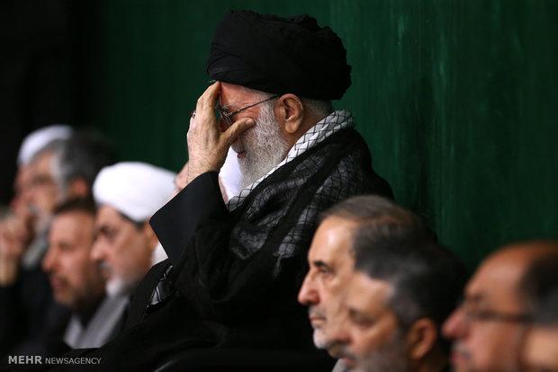مراسم عزاداری شب تاسوعای حسینی با حضور رهبر انقلاب برگزار شد