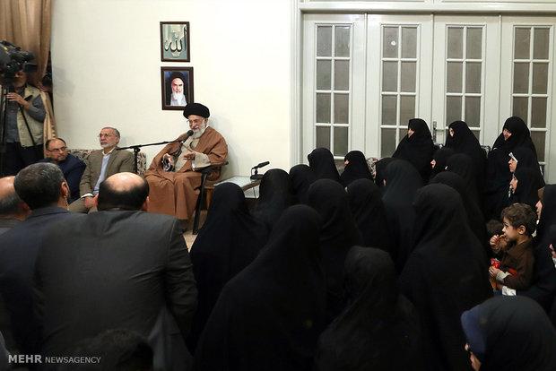 رهبر معظم انقلاب اسلامی:  دشمن همواره منتظر فرصت و رخنه برای ضربهزدن به ملت ایران است