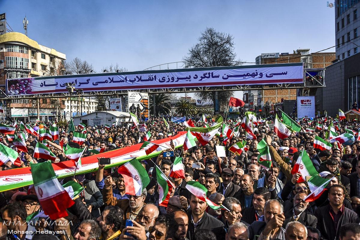 حضورتماشایی مردم ساری در راهپیمایی 22 بهمن