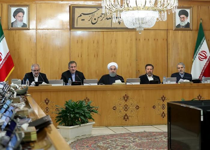روحانی: رسانهملی از نشر شایعات و سیاهنمایی خودداری کند