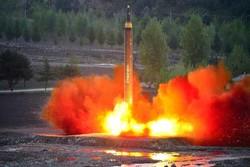 کره شمالی موشک جدیدی را به سمت ژاپن شلیک کرد/واکنش سئول و توکیو